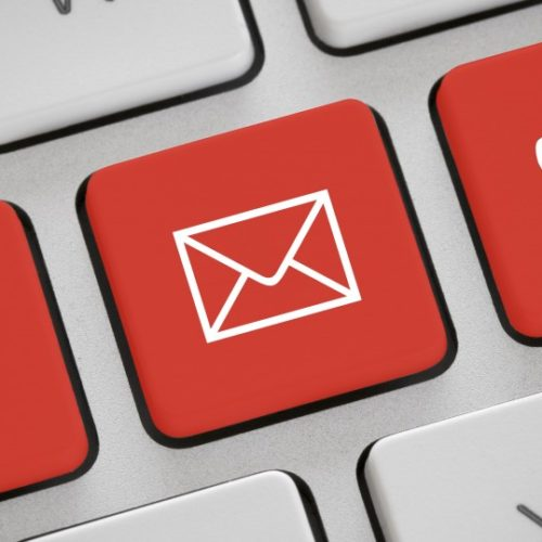 kontakt-tastatur-istock-31317872-19to1
